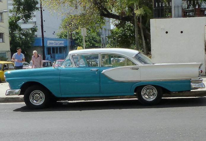 teal n white car